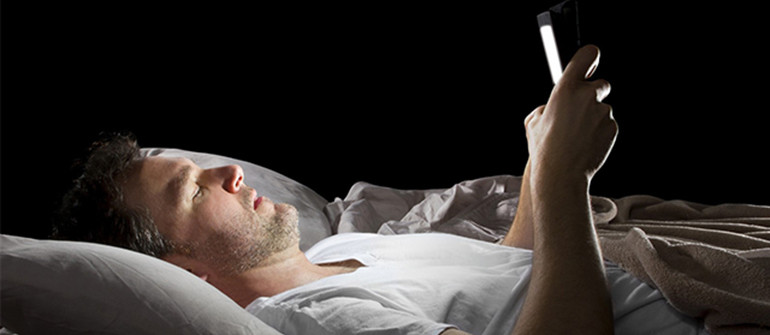 5 Dangerous Side-Effects While Sleeping With Smartphones