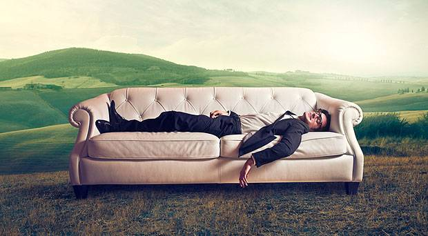 Travelling abroad? Stay for free! Be a pro at couch surfing!